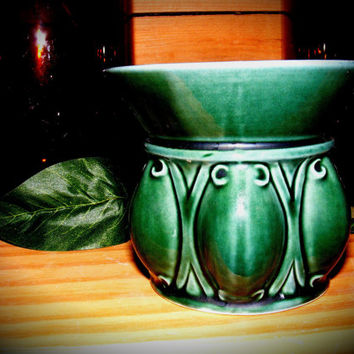 Forest Green Art Deco Hull Planter F470