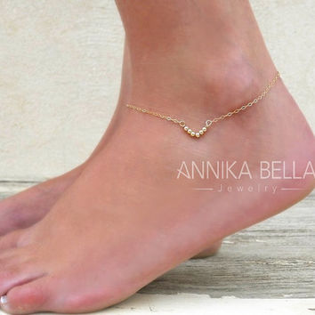 Triangle Anklet, Gold Or Silver, Delicate Anklet, Beads Anklet, Triangle Ankle Bracelet, Layering Anklet, Dainty Foot Jewelry.