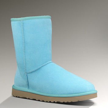 UGG® Classic Short | Free Shipping at UGGAustralia.com