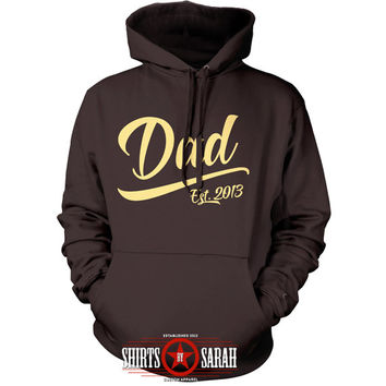 Personalized Dad Hoodie - Father's Day Christmas Gift Dad Est Sweatshirt Hooded Pullover Men New Baby's