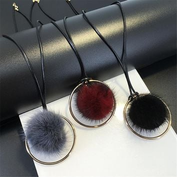 New Fashion Mink Fur Ball Long Pendant Necklace Women Faux Fluffy Pompom Feather Necklace Statement Sweater Chocker Jewelry
