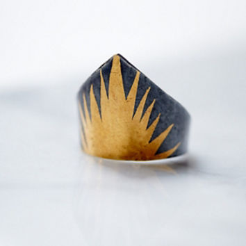 Acanthus Jewelry Womens Deshret Ring
