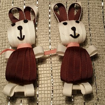RIBBON SCULPTURES - EASTER  - WHITE / BROWN BUNNY
