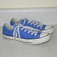 1990s Blue Converse Low Top Tennis Shoes M 5 W 7