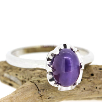 Vintage Star Sapphire Ring | Purple Gemstone Ring | 10k White Gold Ring | Promise Ring | Dainty Ring | 1960s Cocktail Ring | Size 5 3/4