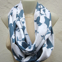 infinity scarf Loop scarf Neckwarmer Necklace scarf Fabric scarf   White Blue