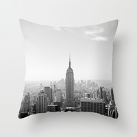 Manhattan - Empire State Building Panorama | B/W Throw Pillow by Thomas Richter