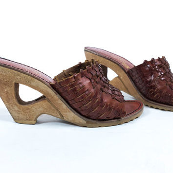 SPRING CLEARANCE Vintage 1970s QualiCraft Whiskey Woven Braided Leather Slip On Cutout Wood Platform Heels Clogs Size 6 6.5 Narrow