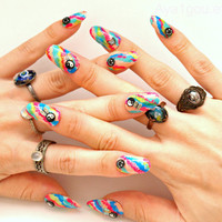 3D nails, fake nails, press on nails, 90s grunge, tie dye, yinyang, butterfly, hippie, psychedelic nail art