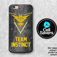 Team Instinct iPhone 6s Case iPhone 6 Case iPhone 6 Plus iPhone 6s Plus iPhone 5c iPhone 5 iPhone SE Case Pokemon Go Yellow Team Trainer