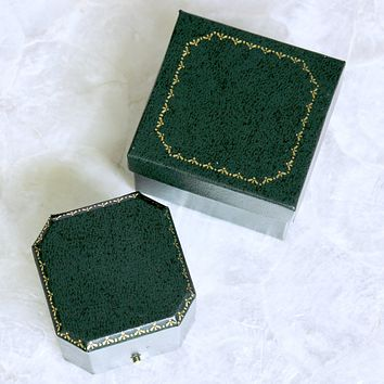 Vintage Style Leatherette Ring Box