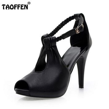 woman ankle strap high heel P19266