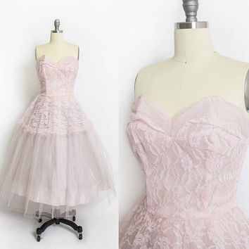 Vintage 1950s Dress - Pink Lace Tulle Chiffon Strapless Full Skirt Party Prom Dress 50s - Small