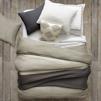 Layered Bed Looks - Neutral Luxe Linen