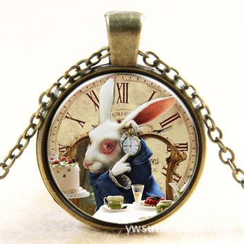 Alice in Wonderland Bronzen/Silvery Necklace Handmade Kawaii Rabbit Necklace Cartoon Animal Pendant Art Bunny Charm Party Favors