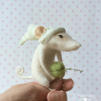 Felted mouse, cute mouse, waldorf doll, fairytale figurine, needle felt, stuffed toy, felt ornement, tender mouse