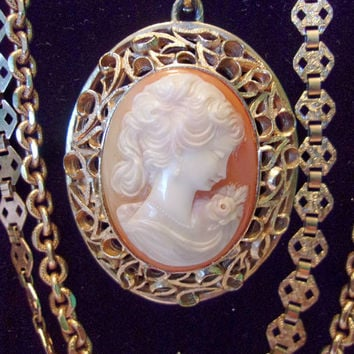 Crown Trifari Cameo Vintage Necklace Pendant Gold Plate Four Strand Rare 1940s