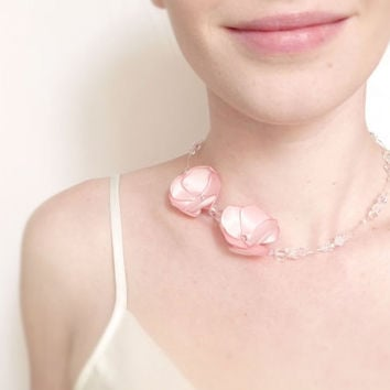 Pale pink Swarovski and flowers bridal necklace OOAK by Jye, Hand-made in France