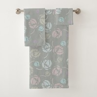 Girly pattern with stylized roses bath towel set