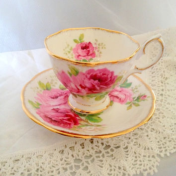 Vintage American Beauty Royal Albert Bone China England - Pink Roses Teacup and Saucer tea cup