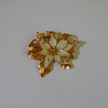 Vintage KC Signed Gold tone and White Enamel Poinsettia Brooch Pin Lapel
