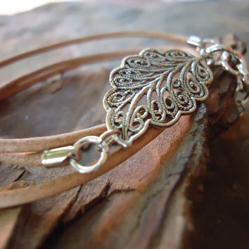 filigree LEAF & LEATHER wrap bracelet in sand 580