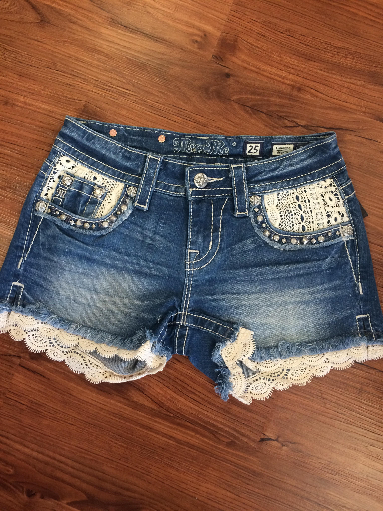 miss me lace accent denim shorts light from chocolate shoe