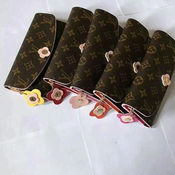 LV Women Fashion Leather Buckle Wallet Purse