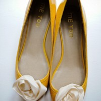 i'd wear the crap out of these - love them! and yellow surprisingly goes with a lot of my outfits!!