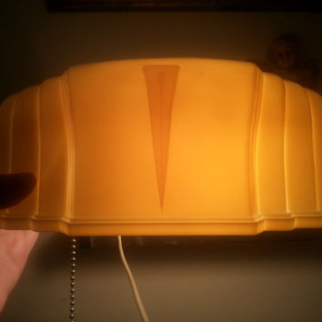1930's 1940's Bakelite Vintage Reading Lamp, Portable Working Bedside Lighting, Art Deco Style Headboard Night Light by Eagle