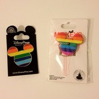 DISNEY PARKS EXCLUSIVE Mickey Ears Rainbow Key Cover & Pin Set