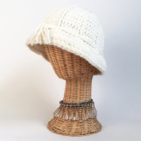 70s Knit Hat Vintage 70s Hat Cream Colored Bucket Hat Warm Winter Hat Cute Winter Hat 70s Bucket Hat Hippie Boho Hat