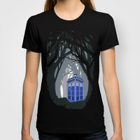 Tardis doctor who lost in the woods Unisex Adult Tee T-shirt by Three Second