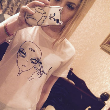 Hot Kwaii Smoking Aliens t shirt women Funny Punk 2016 T-shirts tumblr Casual ET Crew Neck tee shirt femme WMT121