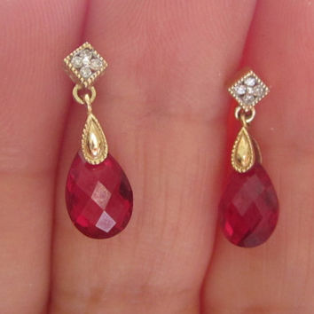 Vintage Diamond & Pigeon Red Faceted Briolette Drop Crystal Dangle Earrings 10k solid Gold