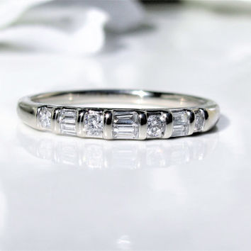 Vintage Round & Baguette Diamond Wedding Band 0.31ctw Diamond Wedding Ring 14K White Gold Anniversary Ring Diamond Stacking Ring Size 8
