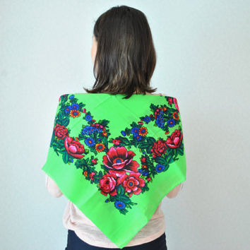 Vintage Ukrainian shawl, green shawl, Neck shawl, Russian Floral Scarf ,russian shawl, beautiful Shawl, Pavloposad shawl, head scarf