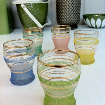 Vintage sugar frosted liqueur glasses!! Set of 5 retro harlequin colored sherbet shot/ nip glasses!  ReTrO BaR!