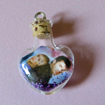 Ship in a Bottle Doctor Who Rose Tyler and the Doctor Tiny Heart Charm for iPhone, Samsung, Nintendo, PSP, PS Vita or iPod
