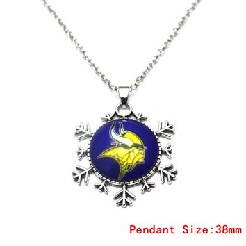 Glass Pendant Necklace Football Minnesota Vikings Silver 20 Inch Chains Necklace Fashion Necklace Jewelry For Sports Fans Gift