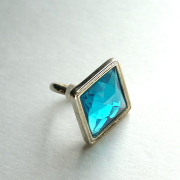 Vintage Aquamarine Teal Blue Rhinestone Cocktail Ring Diamond Shaped