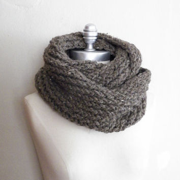Taupe Tweed Infinity Scarf, Chunky Knit, Winter Scarf, Taupe Scarf, Thick, Cold Weather Fashion Knitwear