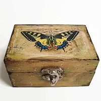 Butterfly rings box, Jewelry Box, Rustic wedding, Ring bearer, Wooden ring box, Ring holder, wedding Box for rings, Butterfly wedding