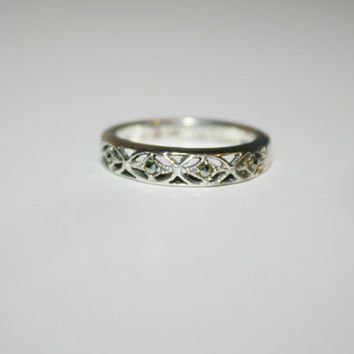 Size 7 Vintage Silver Band with Hematite Stones Sterling Silver Ring Free US Shipping