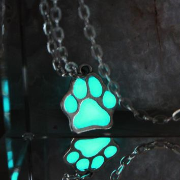 NEW Luminous Necklace Dog lovers The cat dog paw