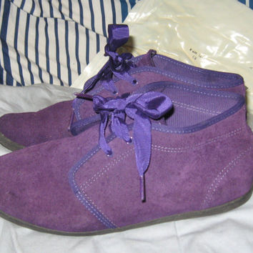 Vintage 90s KEDS Purple  Suede Mid Chukka Ribbon Laced Desert ANKLE  Boots sz  8 1/2 m