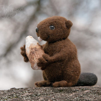 Felted beaver with piece of wood, felt animal, wool toy, needle felted creature, small, gift, fir tree