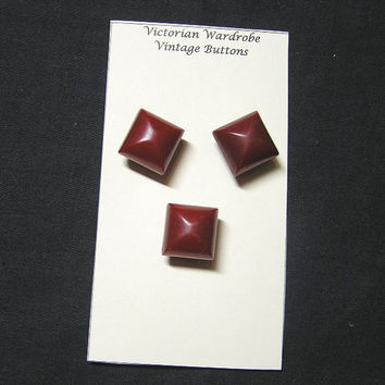 1930s Dark Red Bakelite Large Buttons, Set of 3 Sew Through, Fabulous, 5/8 Inch Jewel Carved, ~~by Victorian Wardrobe