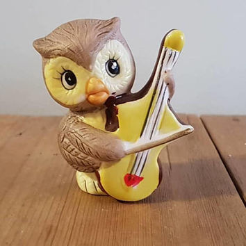 Vintage Owl Figurine Playing A Violin  , Kitsch  Owl Figurine  , Made In Japan