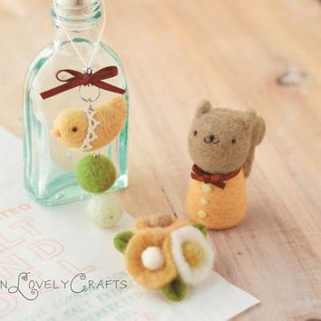 Japanese Needle Wool Felt DIY Kit - Little Bird Strap, Flower Brooch, Squirrel - Kawaii Hamanaka - F02